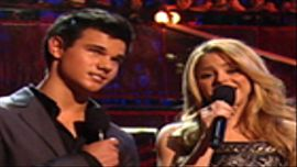 Shakira, Taylor Lautner Present Best Female Video Award Nominees