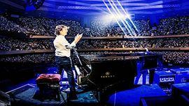 ポール・マッカートニー、日本武道館公演で満員のファンを魅了