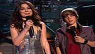 Miranda Cosgrove, Justin Bieber Introduce Taylor Swift
