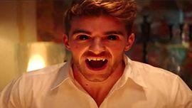 ザ・チェインスモーカーズ、「You Owe Me」のダークなMVで吸血鬼に変身