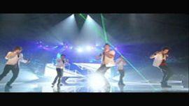 "BIGBANG ""HANDS UP""  (Live Performance)"